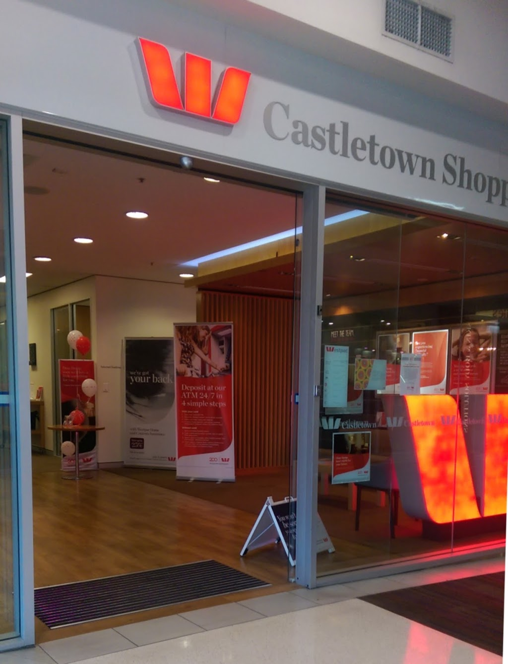 Westpac Branch/ATM | bank | Cnr Kings Rd & Woolcock St, Shop 56; Castletown Shopping World, Hyde Park QLD 4812, Australia | 0747222911 OR +61 7 4722 2911