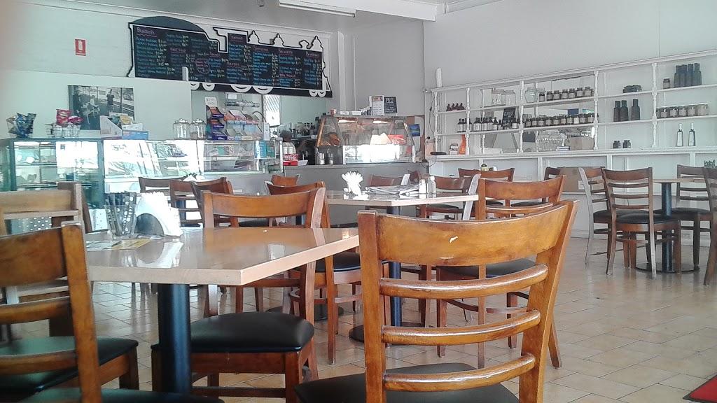 Werris Creek Cafe | cafe | 46 Single St, Werris Creek NSW 2341, Australia | 0267687089 OR +61 2 6768 7089