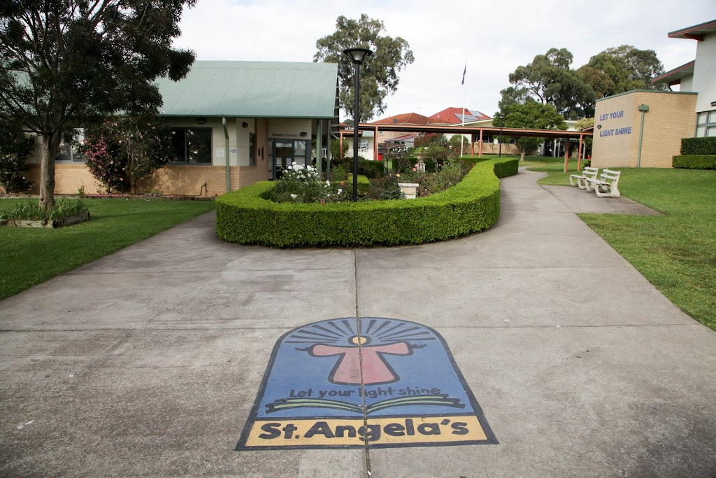 St Angelas Primary School | school | 40 Harrington Ave, Castle Hill NSW 2154, Australia | 0294076400 OR +61 2 9407 6400