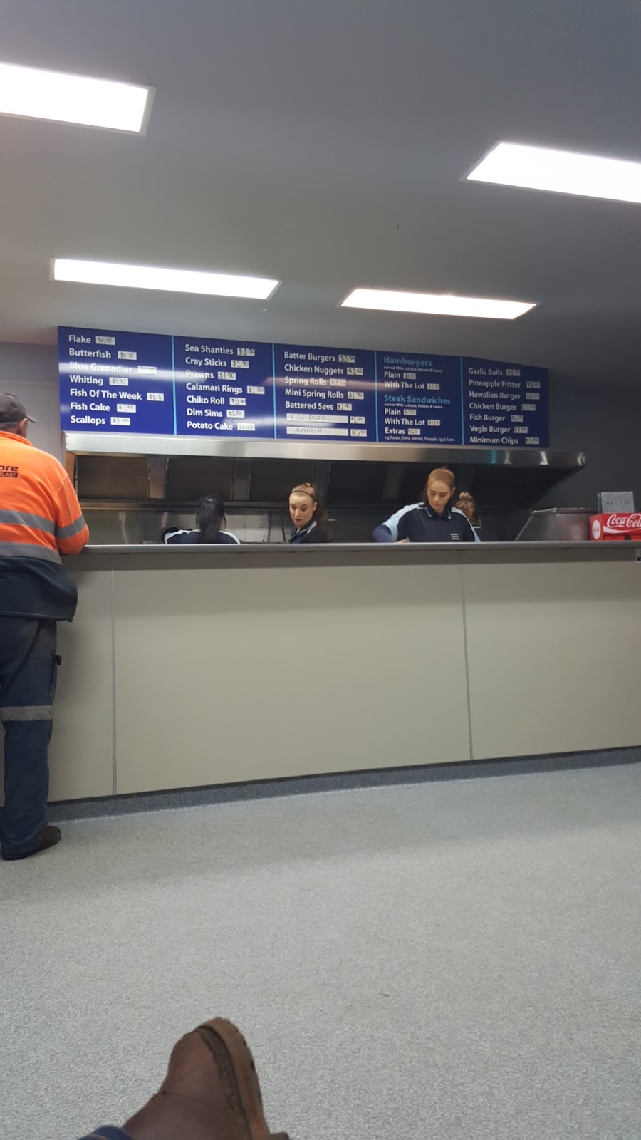 Lakeside Fish Shop | meal takeaway | 15 Ballarat Rd, Hamilton VIC 3300, Australia | 0355725777 OR +61 3 5572 5777