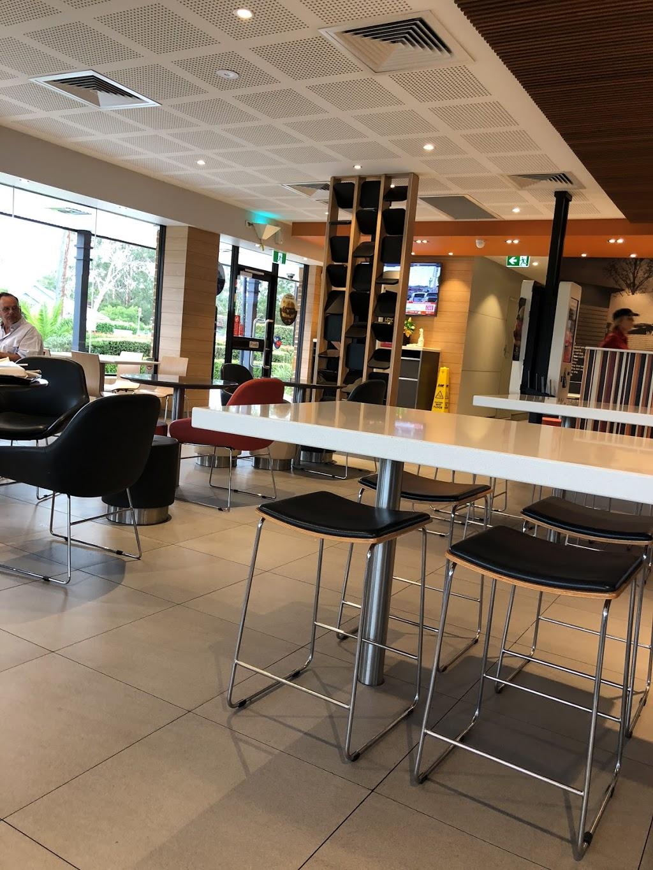 McDonalds Blaxland   meal takeaway   Great Western Hwy, Blaxland NSW 2774, Australia   0247398245 OR +61 2 4739 8245