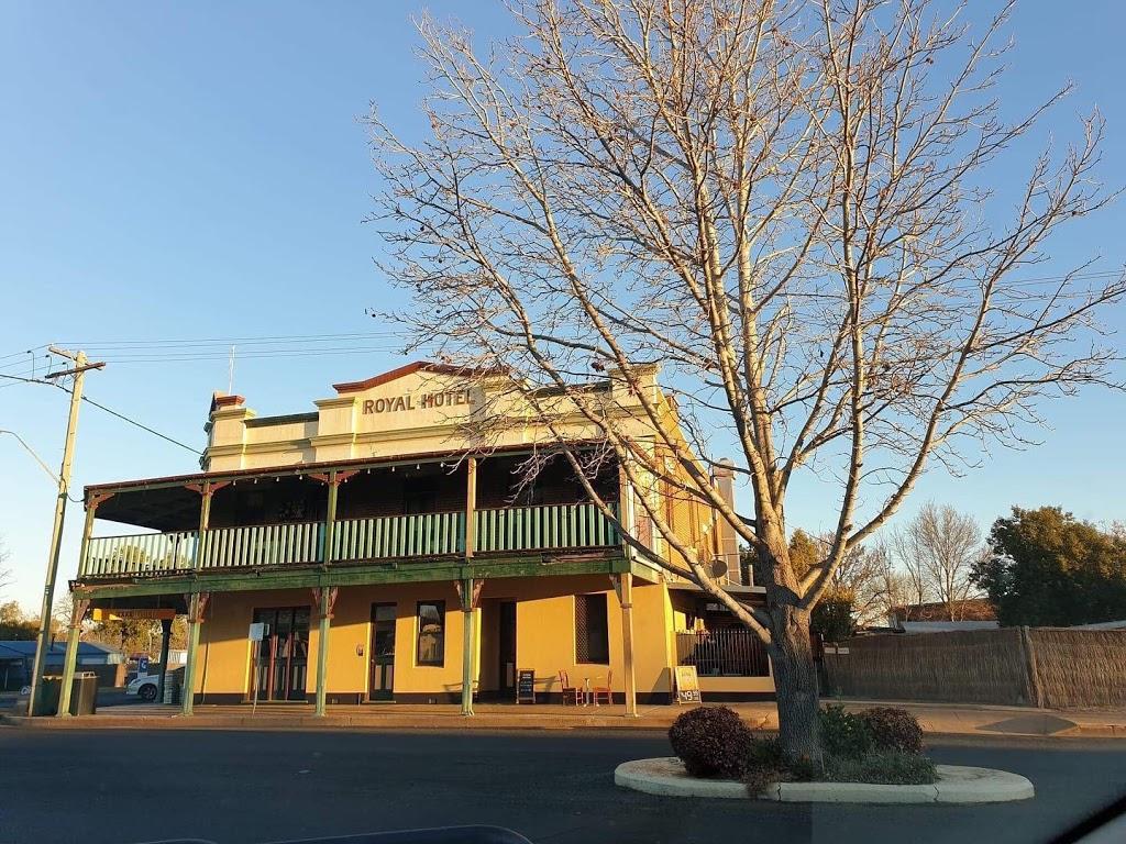 Royal Hotel Binnaway | bar | 26 Renshaw St, Binnaway NSW 2395, Australia | 0268441928 OR +61 2 6844 1928