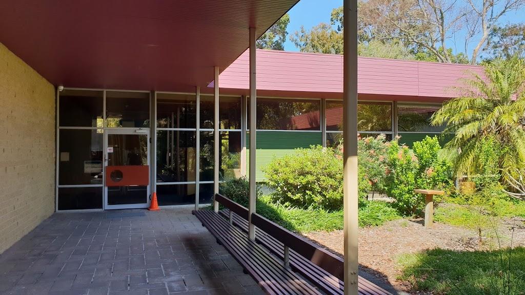 Mount Henry Dental Clinic | dentist | 43 Mt Henry Rd., Salter Point WA 6152, Australia | 0893130552 OR +61 8 9313 0552