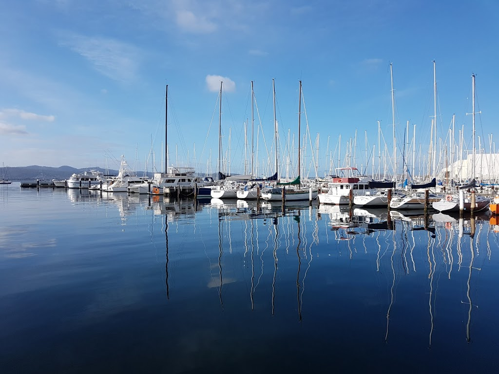 Derwent Sailing Squadron | restaurant | 23 Marieville Esplanade, Sandy Bay TAS 7005, Australia | 0362231977 OR +61 3 6223 1977