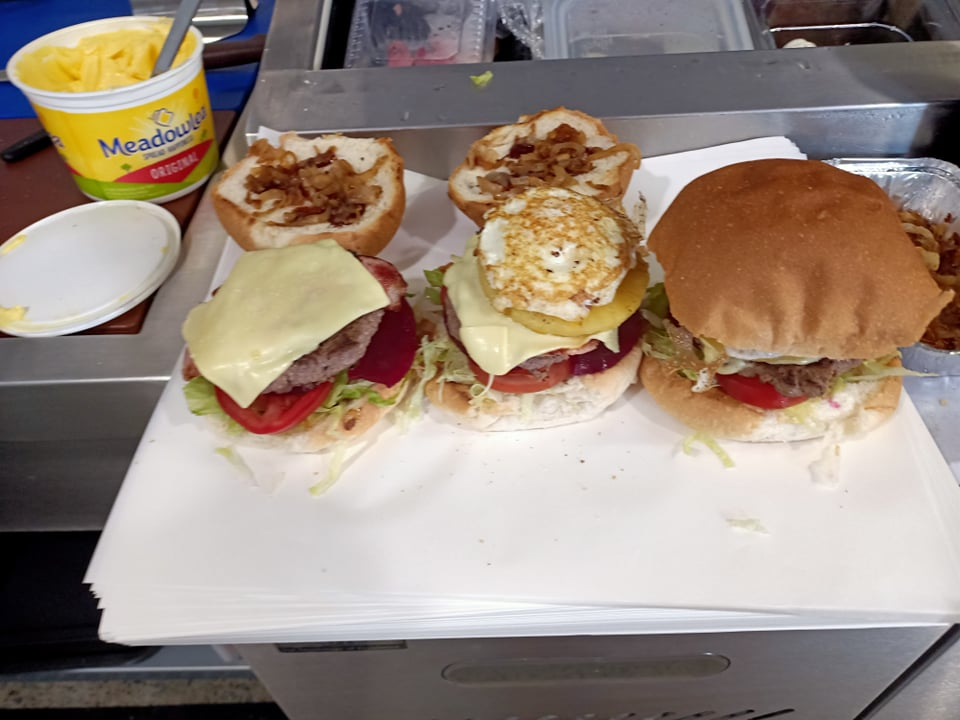 MJS Cafe and Takeway | cafe | Unit 9/37 Moroney Pl, Beerwah QLD 4519, Australia | 0754940462 OR +61 7 5494 0462