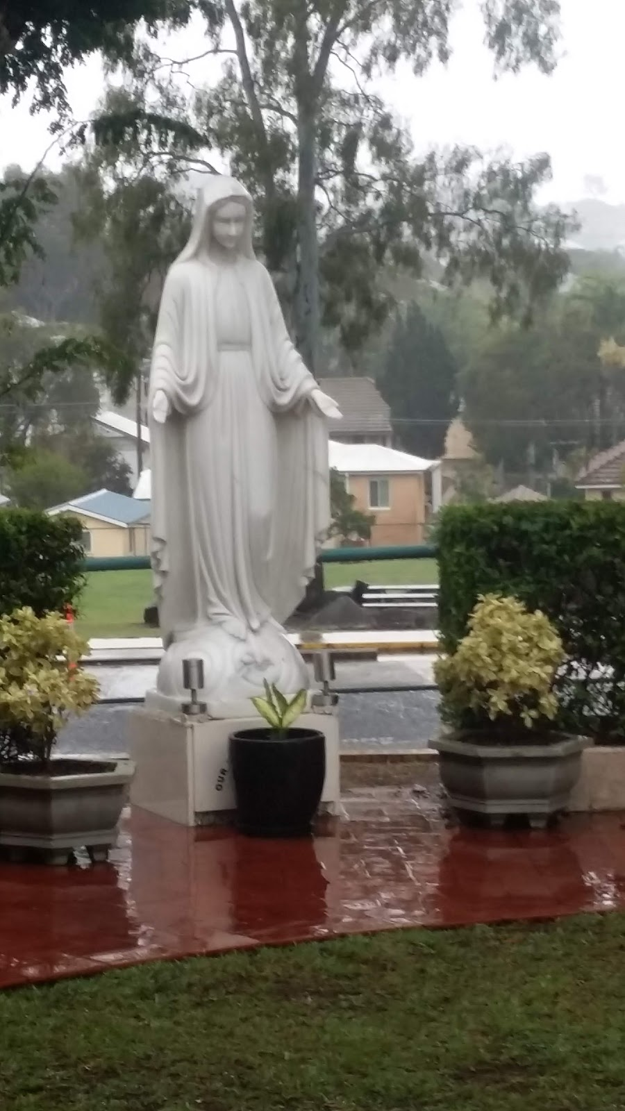 Our Lady of Graces Catholic Church Carina | church | 100 Mayfield Rd., Carina QLD 4152, Australia | 0733982977 OR +61 7 3398 2977