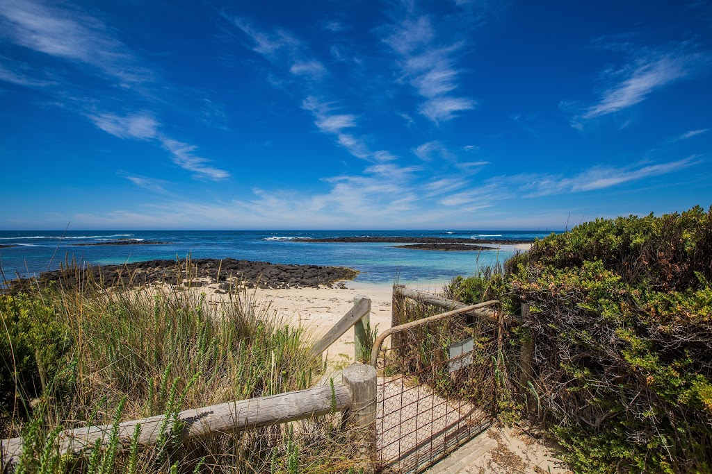 Cottages for Couples | lodging | 27 Thistle Pl, Port Fairy VIC 3284, Australia | 0355683425 OR +61 3 5568 3425
