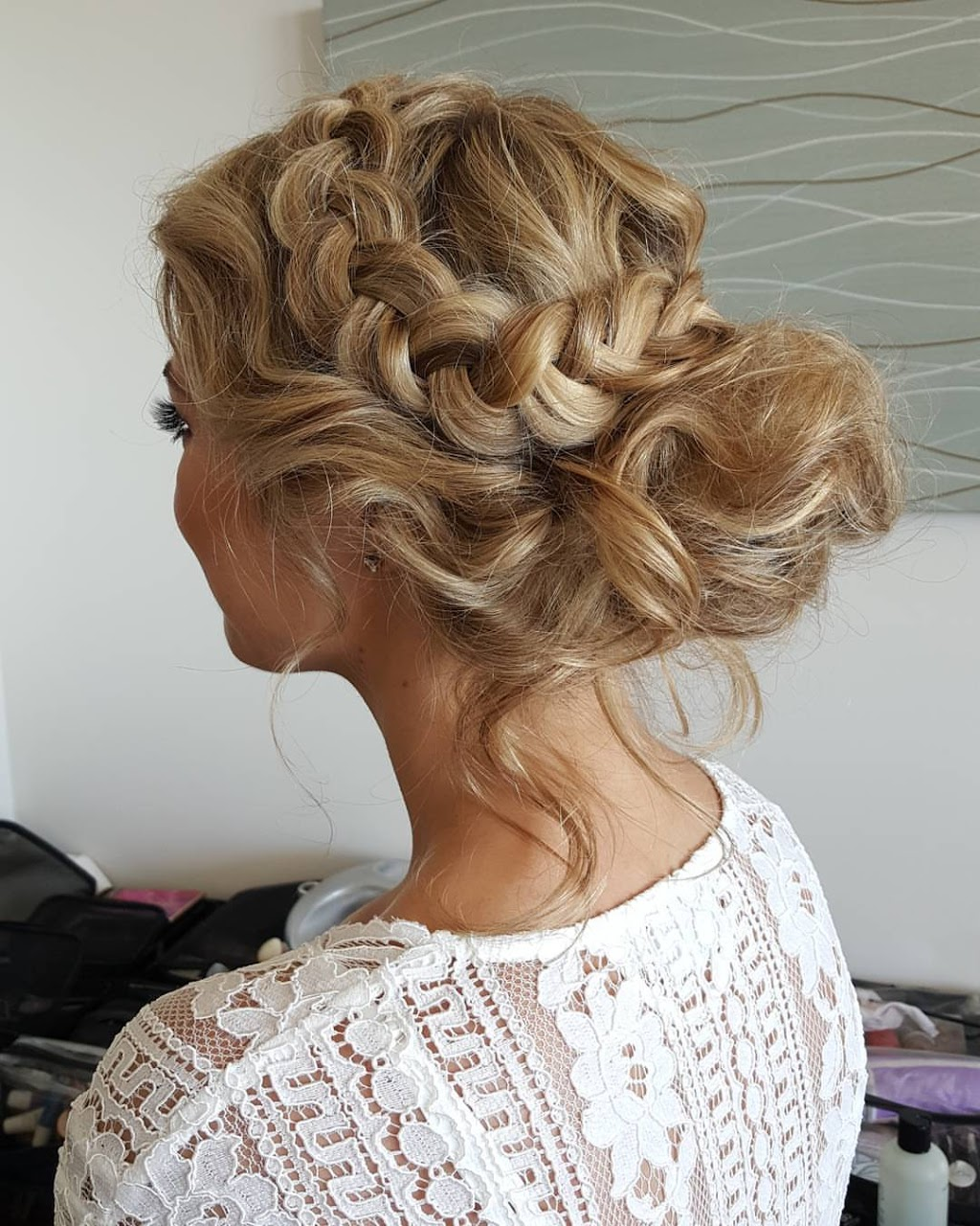 CHIC ARTISTRY   hair care   40 Queen St, Lorn NSW 2320, Australia   0422327885 OR +61 422 327 885