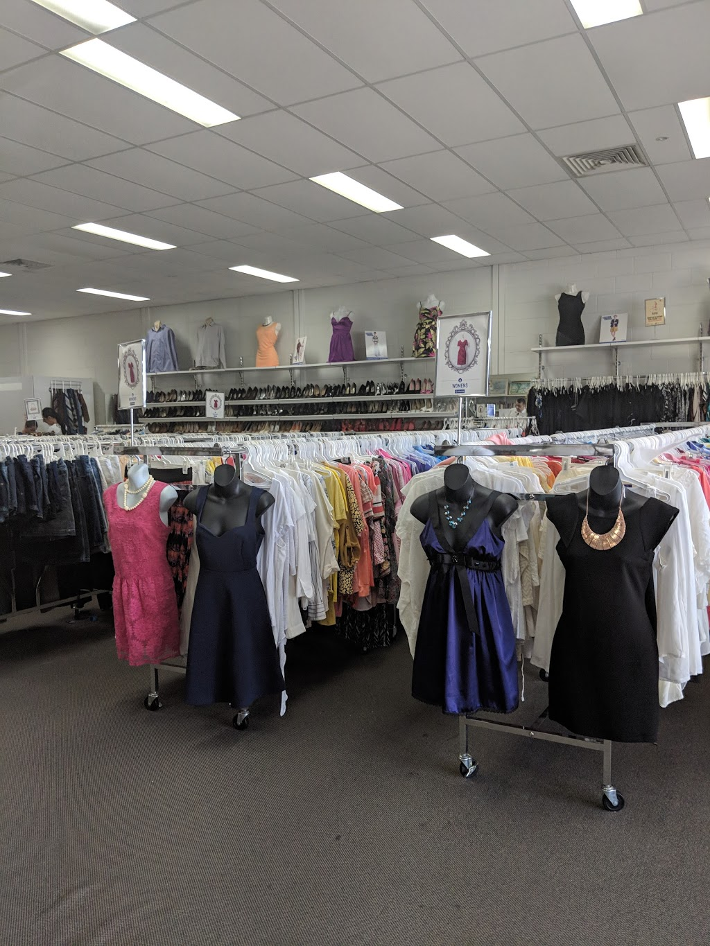 Vinnies | clothing store | Blacktown MegaCentre, C4/14 St Martins Cres, Blacktown NSW 2148, Australia | 0296213423 OR +61 2 9621 3423