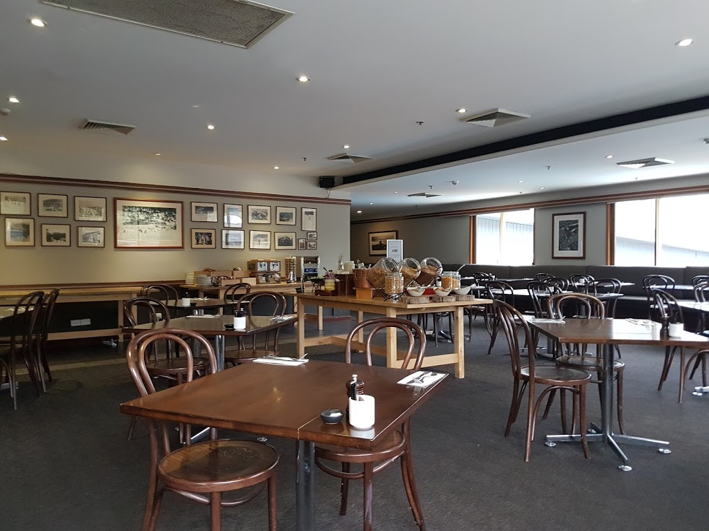 Cascades Restaurant | restaurant | Friday Drive, Thredbo NSW 2625, Australia | 0264594270 OR +61 2 6459 4270