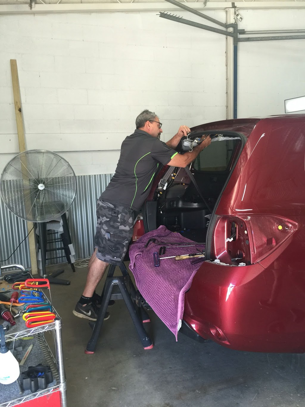 Oz Dents n Hail | car repair | 2/148 Melbourne St, East Maitland NSW 2323, Australia | 0400780146 OR +61 400 780 146