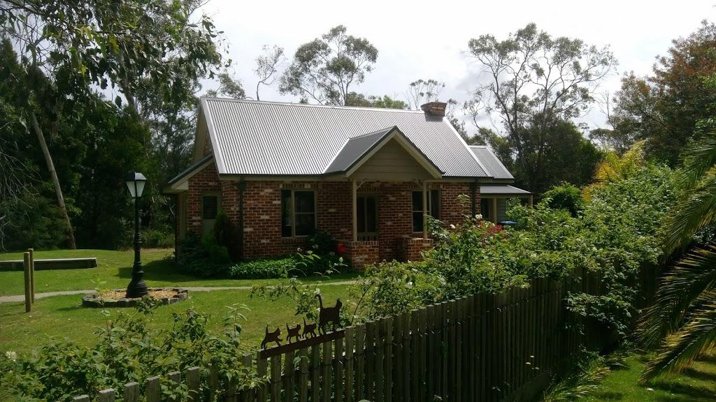 Bittern Railway Cottage | lodging | 10 Shout St, Bittern VIC 3918, Australia | 0438867085 OR +61 438 867 085
