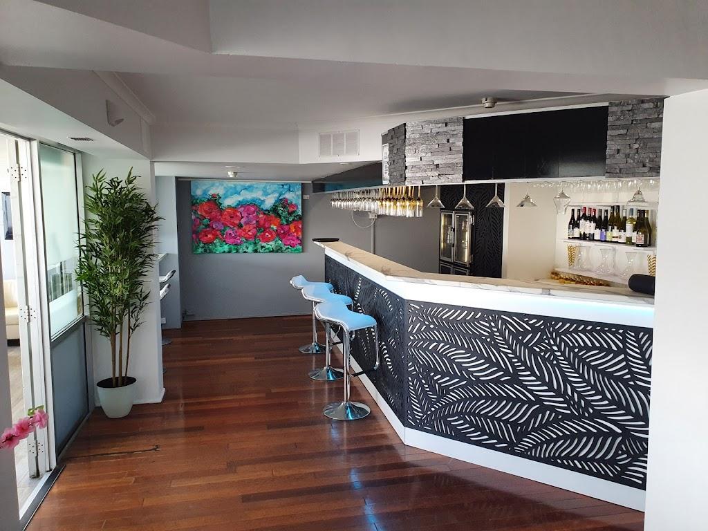 Dimitris Mediterranean Restaurant | restaurant | 22-24 Roseberry St, Gladstone Central QLD 4680, Australia | 0749724711 OR +61 7 4972 4711