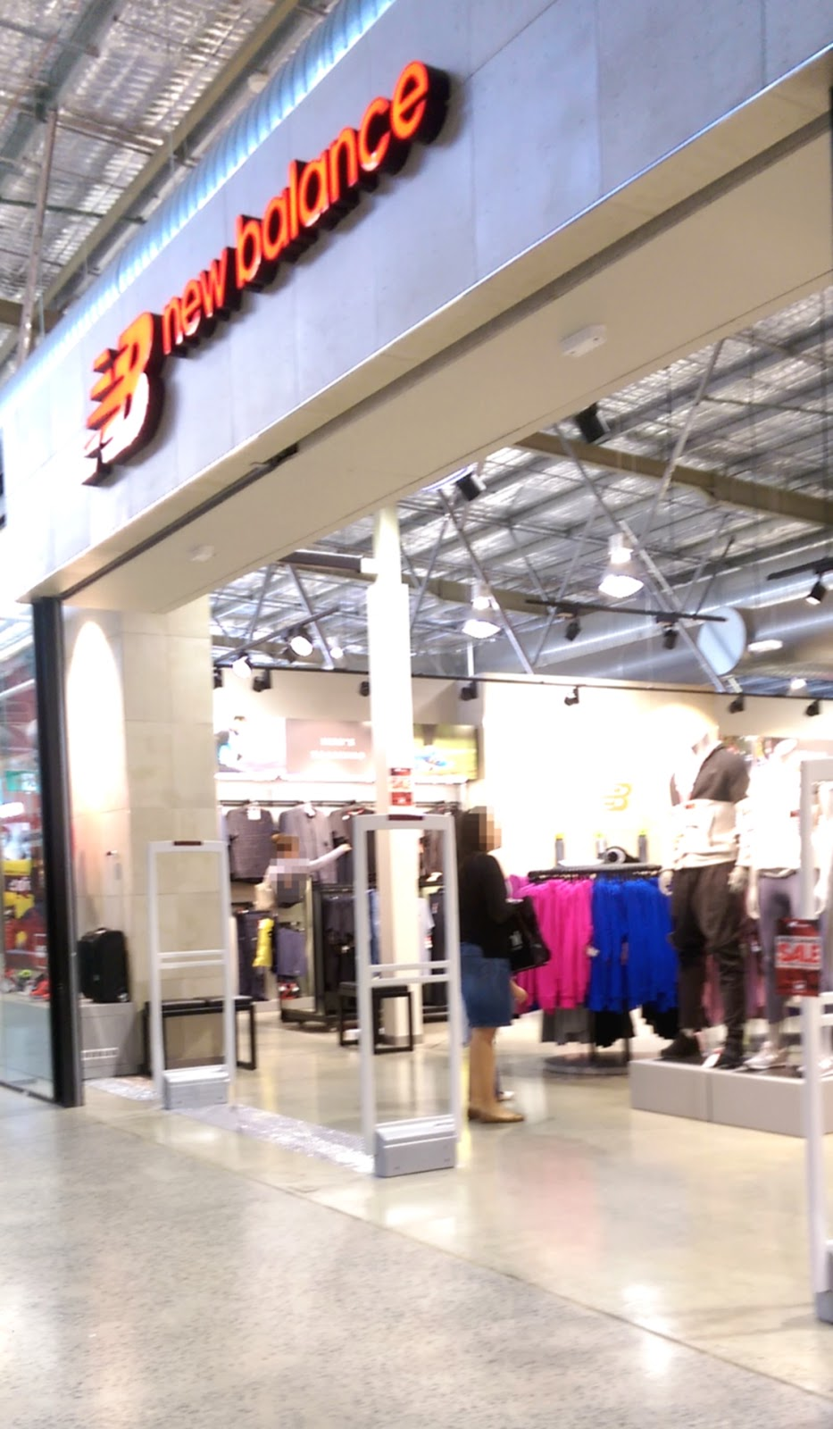New Balance Factory Outlet - Shoe store