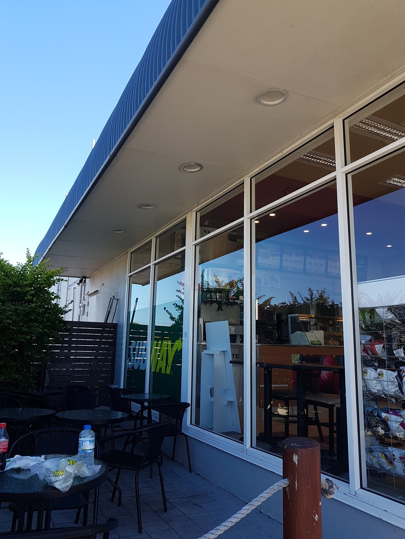 Subway | restaurant | 224 Centre, 1a Waterview St, Warana QLD 4575, Australia | 0754376942 OR +61 7 5437 6942