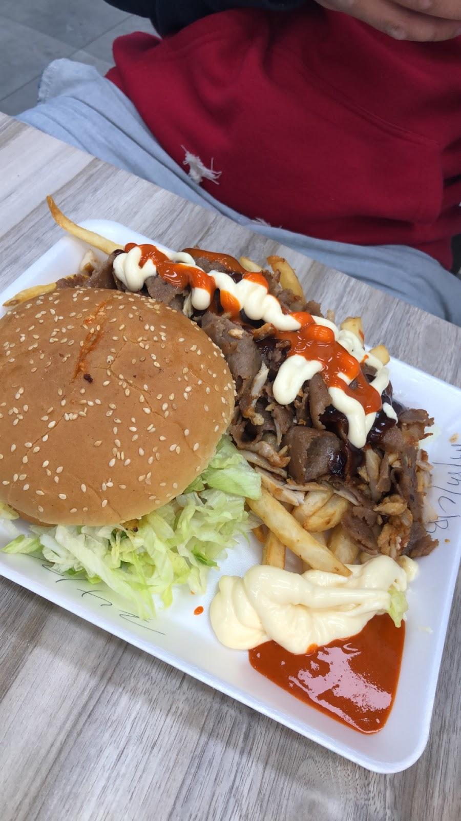Watsup Brothers | restaurant | 194 Campbelltown Rd, Denham Court NSW 2565, Australia | 0287643236 OR +61 2 8764 3236