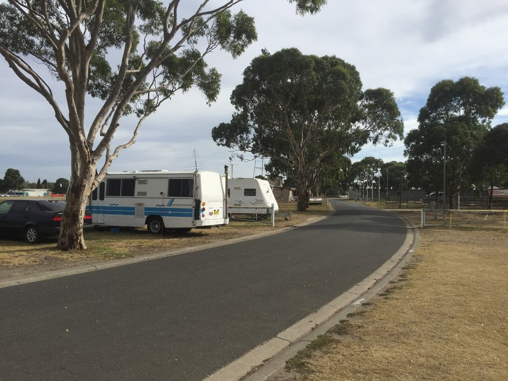 Geelong Showground | rv park | 77 Breakwater Rd, Breakwater VIC 3219, Australia | 0352211707 OR +61 3 5221 1707