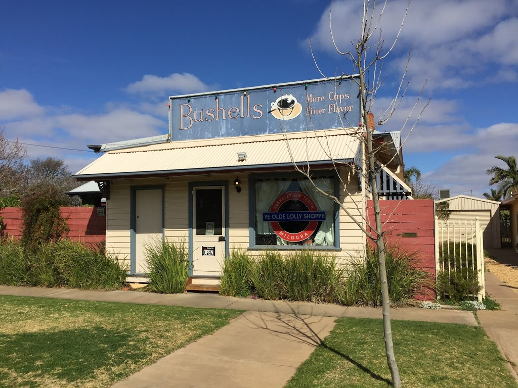 Bushells on Tenth Ye Olde Lolly Shoppe | store | 227 Tenth St, Mildura VIC 3500, Australia | 0350227227 OR +61 3 5022 7227