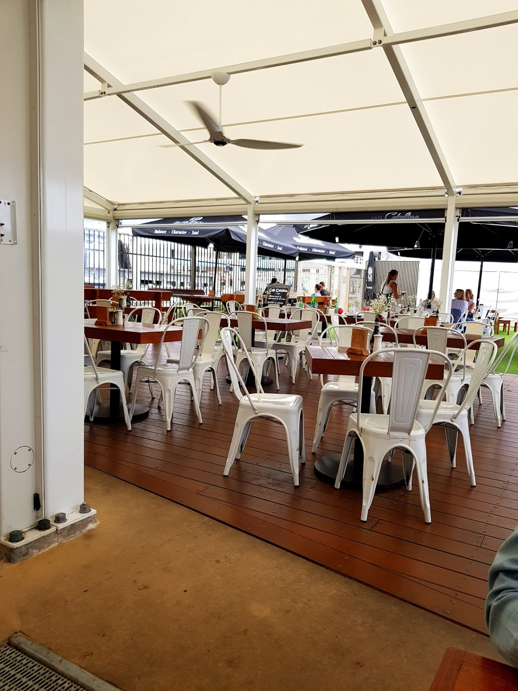 Cafe Catalina | restaurant | Broadwater Parklands, 10/11 Gold Coast Hwy, Southport QLD 4215, Australia | 0755710390 OR +61 7 5571 0390