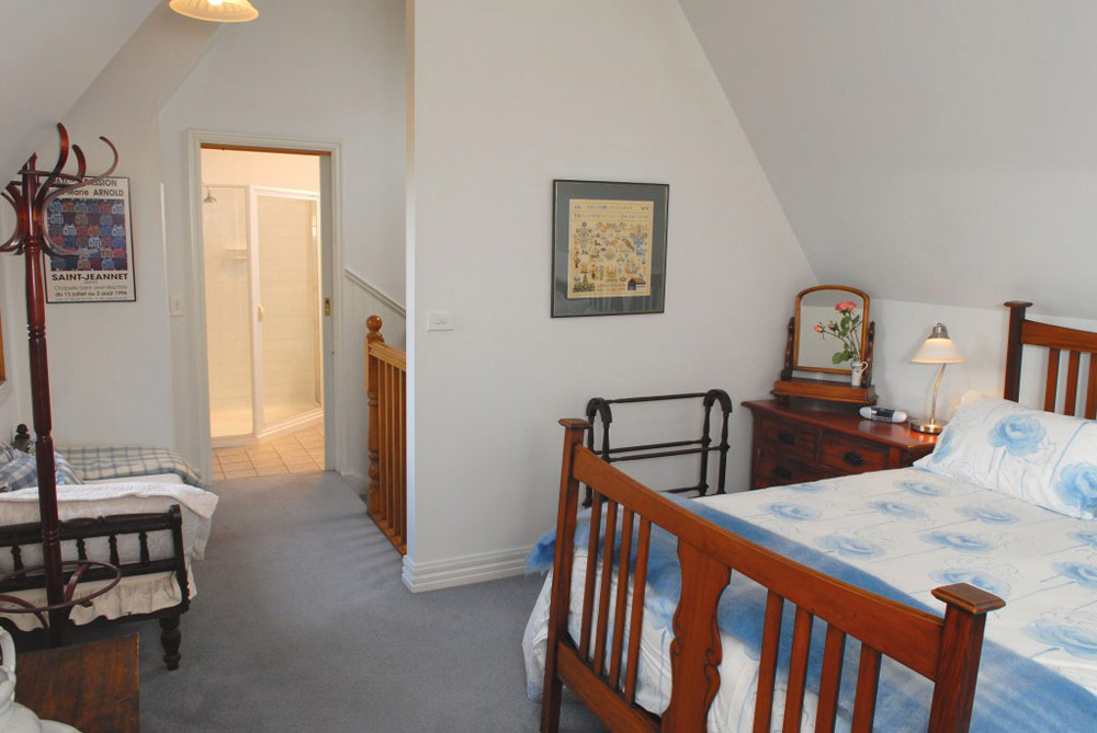 The Coach House, Port Fairy Accommodation | lodging | 56A Gipps St, Port Fairy VIC 3284, Australia | 0488682471 OR +61 488 682 471