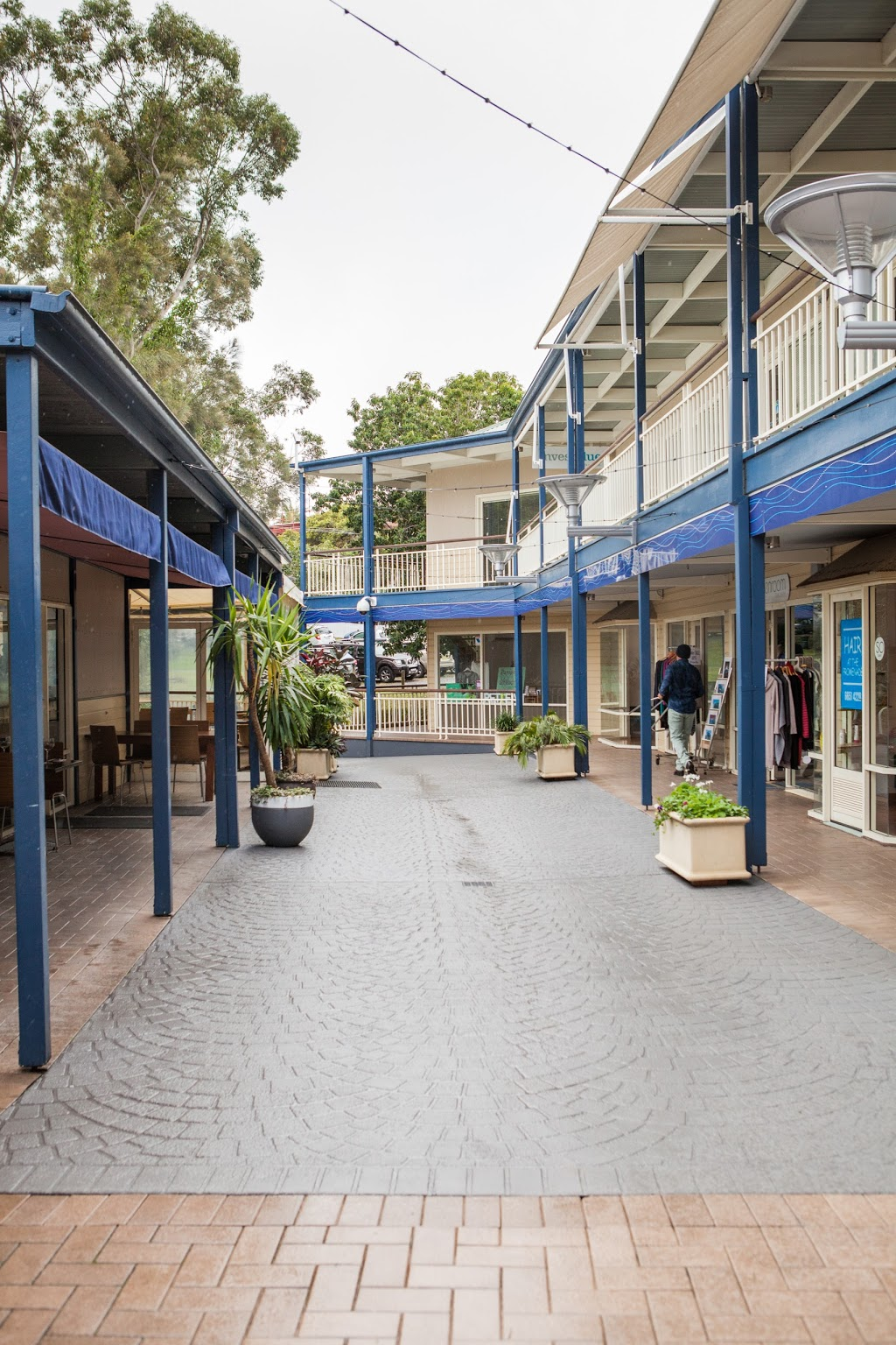 The Promenade Coffs Harbour   clothing store   319-321 Harbour Dr, Coffs Harbour NSW 2450, Australia