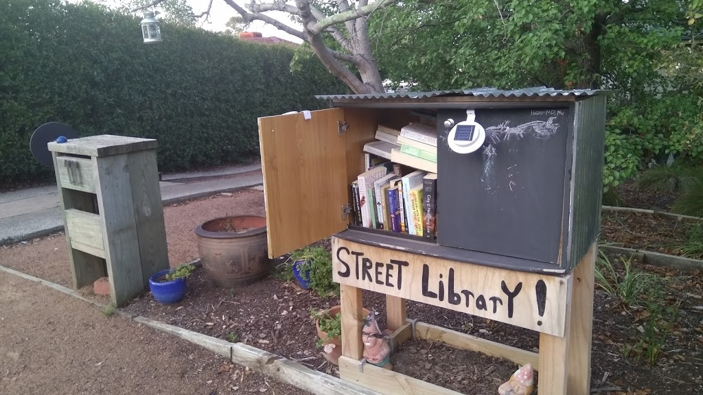 Street library | library | 11 Foxall St, Holder ACT 2611, Australia