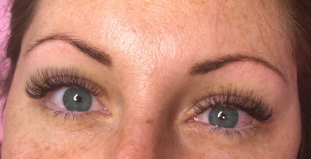 Deluxe Lashes & Cosmetic Tattoo | dentist | 3 Ragamuffin Dr W, Coomera QLD 4209, Australia | 0414363504 OR +61 414 363 504