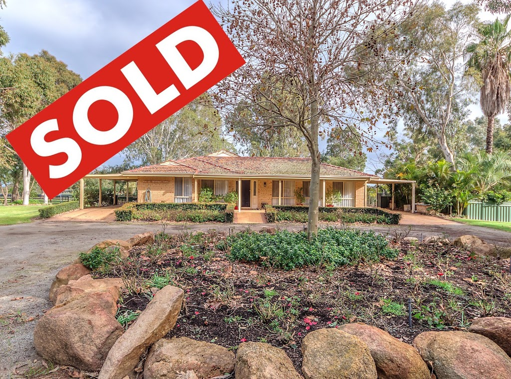 Suzanne Ellis - Acreage Properties | real estate agency | Summerfield Rd, Serpentine WA 6125, Australia | 0488182228 OR +61 488 182 228