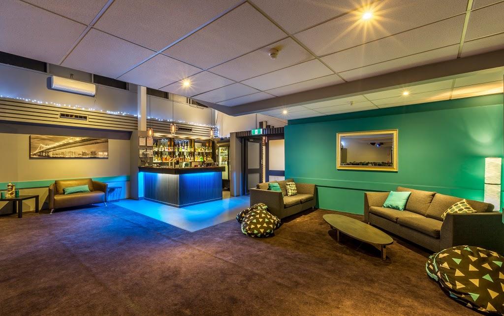 Manhattan Hotel | restaurant | Heatherdale Road &, Canterbury Rd, Ringwood VIC 3134, Australia | 0398747777 OR +61 3 9874 7777