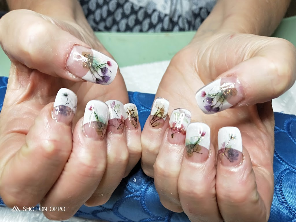 A1 nails with attitude be feminine   beauty salon   97 Hollywood Ave, Bellmere QLD 4510, Australia   0428075802 OR +61 428 075 802