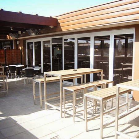 McQueens Tavern & Gaming | restaurant | 55 Cardigan St, Angle Park SA 5010, Australia | 0882437143 OR +61 8 8243 7143