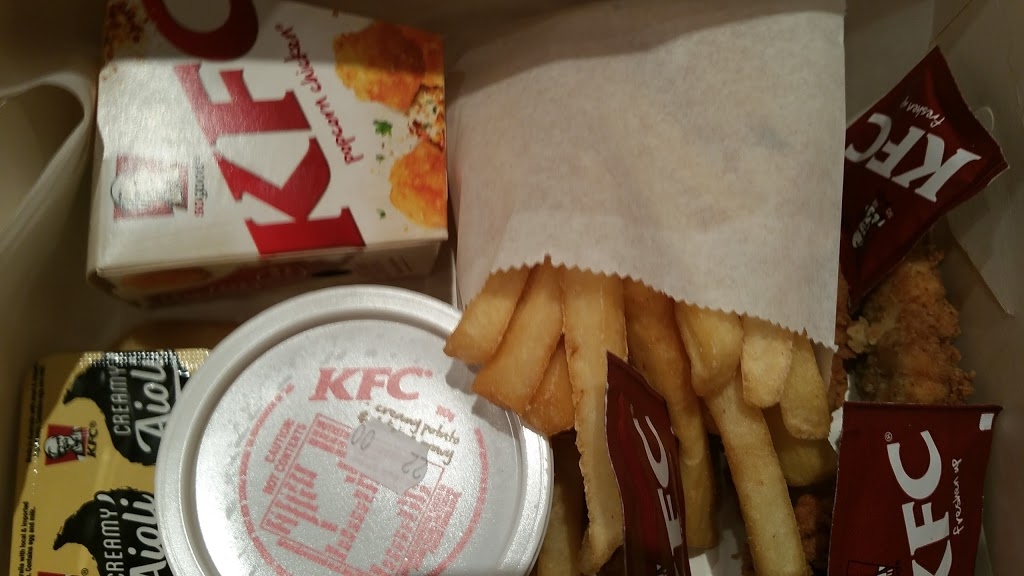 KFC Waterfront City Docklands | meal takeaway | Shop G03/10 Star Circus, Docklands VIC 3008, Australia | 0396021831 OR +61 3 9602 1831