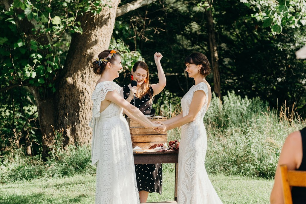 Sarah Oakes Marriage Celebrant | point of interest | 50 Yarrawa St, Moss Vale NSW 2577, Australia | 0426916540 OR +61 426 916 540