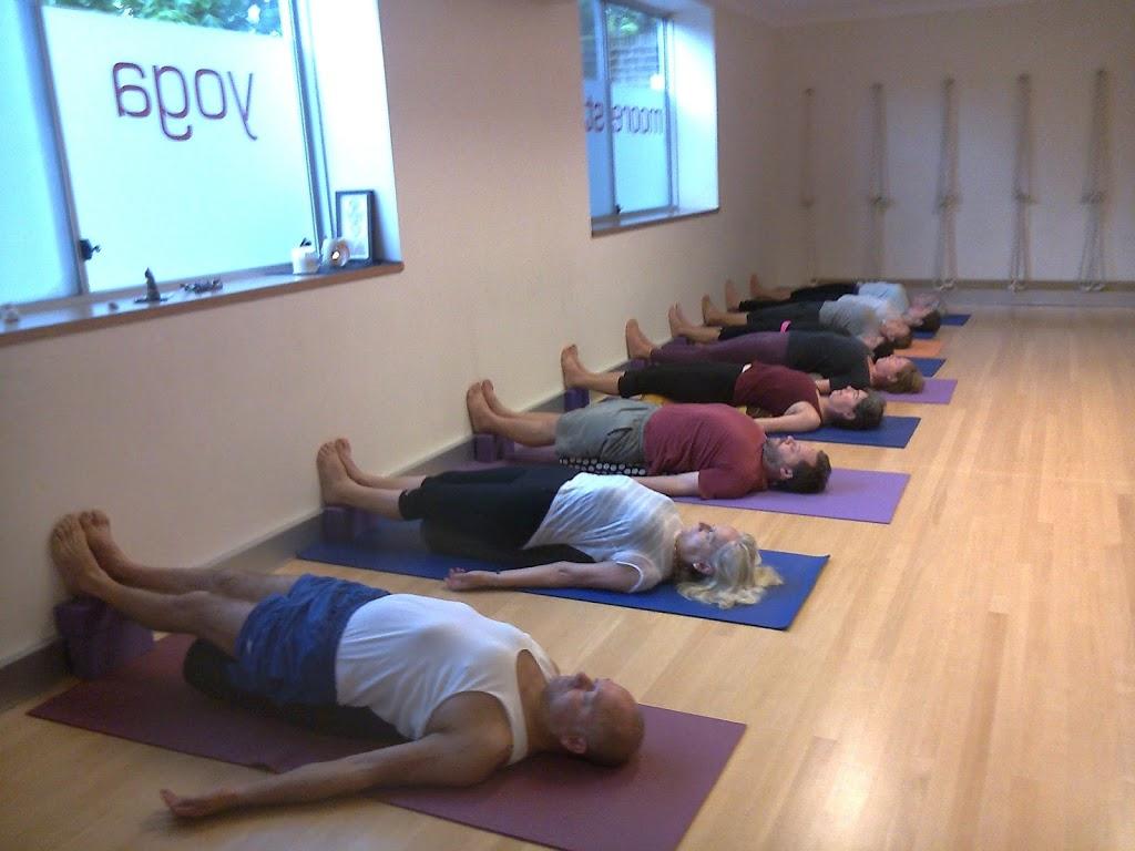 Moore St Yoga Room | gym | Suite 103/62 Moore St, Austinmer NSW 2515, Australia | 0415344722 OR +61 415 344 722