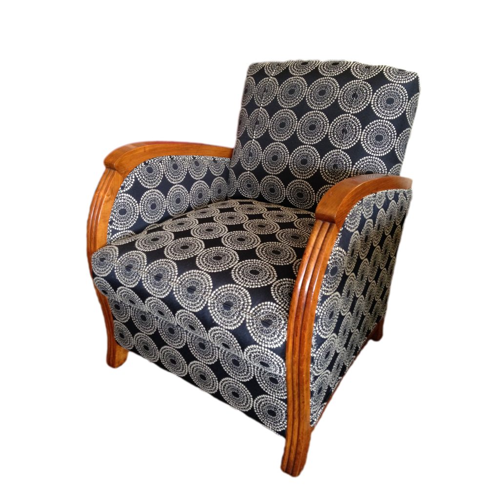 Charles Caddy Upholstery | furniture store | 118 Barker St, Castlemaine VIC 3450, Australia | 0354723232 OR +61 3 5472 3232