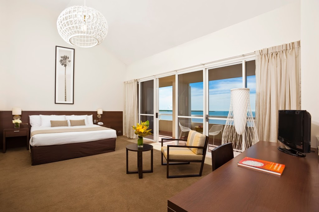 Holiday Inn Cairns Harbourside | lodging | 209-217 The Esplanade, Cairns QLD 4870, Australia | 0740803000 OR +61 7 4080 3000