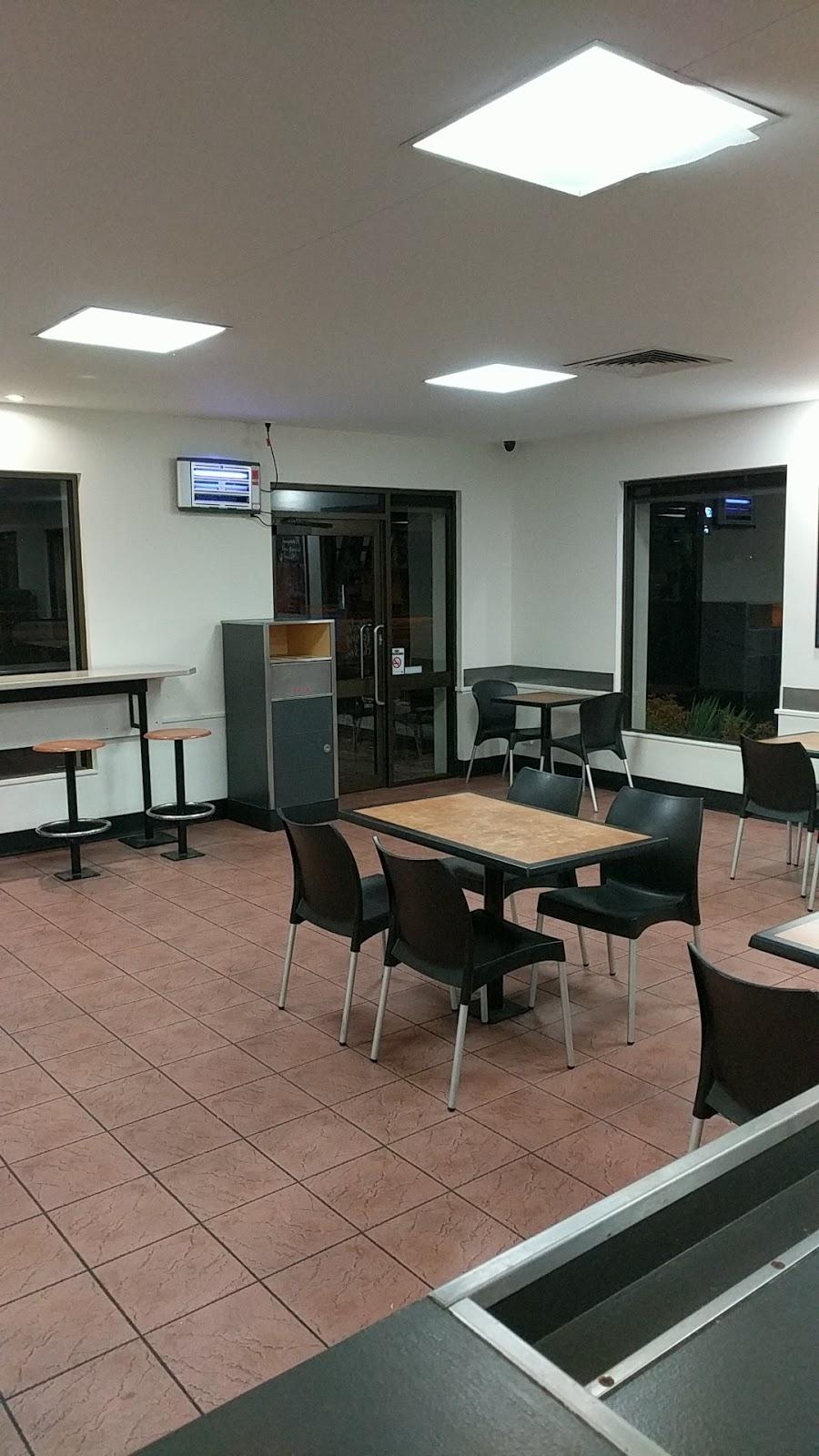 Red Rooster   restaurant   High St & Vine Street, Bendigo VIC 3550, Australia   0354416266 OR +61 3 5441 6266