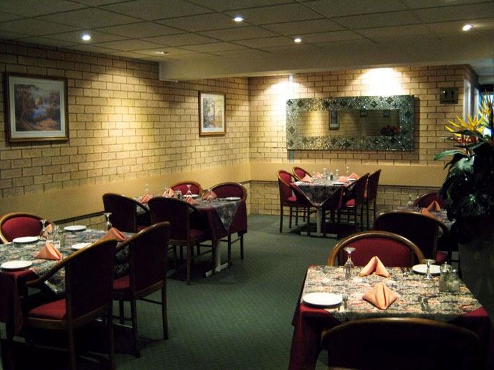 Ashton Townhouse Motel & Suites Tumut | lodging | 124 Wynyard St, Tumut NSW 2720, Australia | 0269471999 OR +61 2 6947 1999