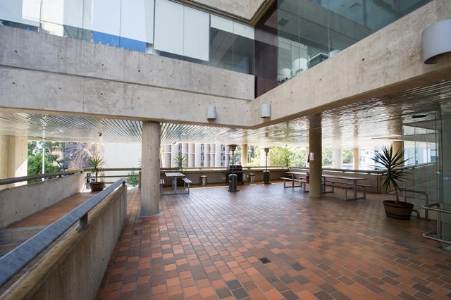 UniLodge @ UC – Weeden Lodge | lodging | 74 Chandler St, Belconnen ACT 2616, Australia | 0261135000 OR +61 2 6113 5000