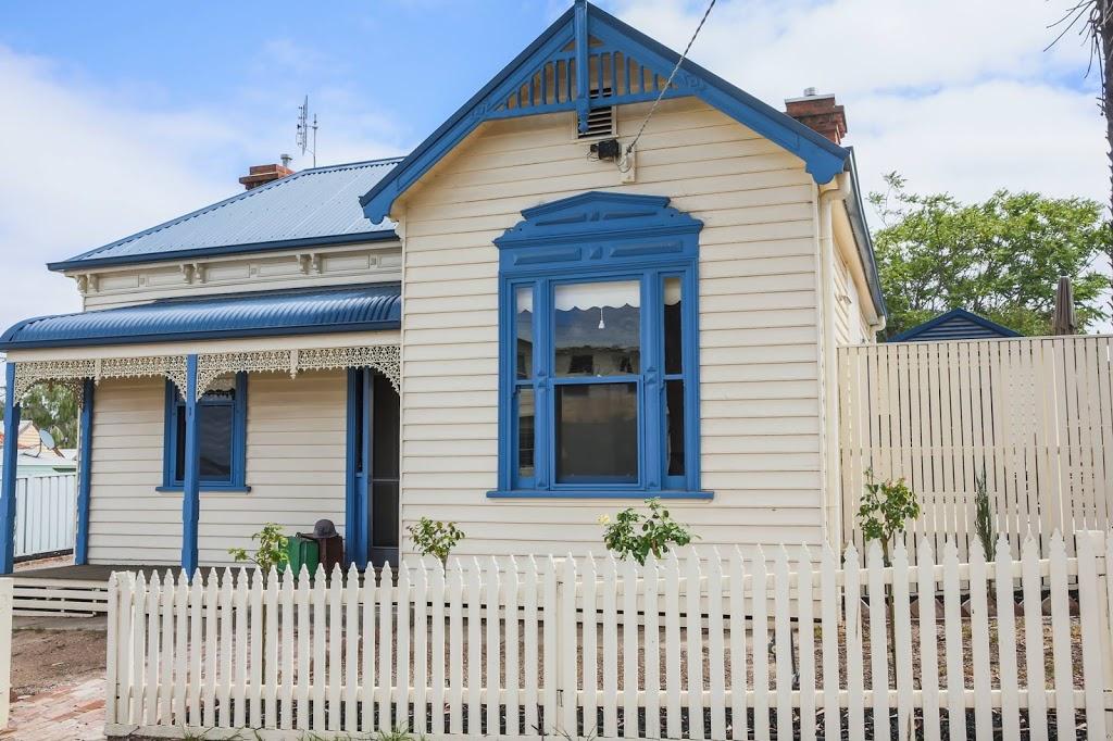 (Stewart House) | lodging | 1 Stewart St, Bendigo VIC 3550, Australia | 0408395312 OR +61 408 395 312