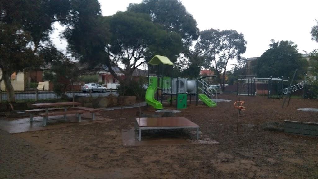 Gilmour Park   park   Coburg VIC 3058, Australia