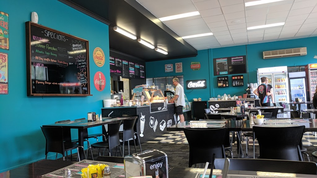 RAY RAYS DINER | restaurant | 180 Forsyth St, Wagga Wagga NSW 2650, Australia | 0269717760 OR +61 2 6971 7760