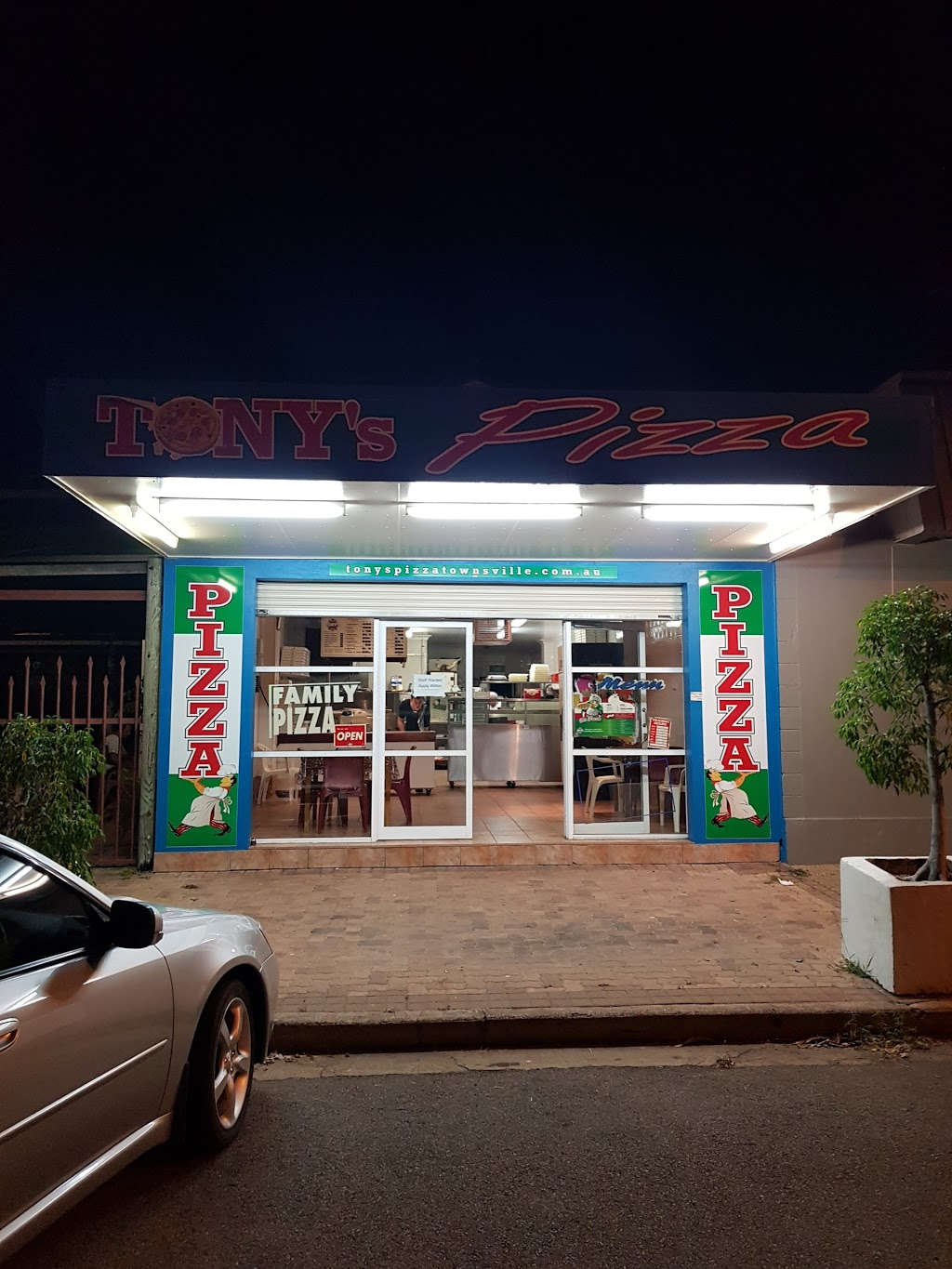 Tonys Pizza | store | 27 Kennedy St, North Ward QLD 4810, Australia | 0747241330 OR +61 7 4724 1330