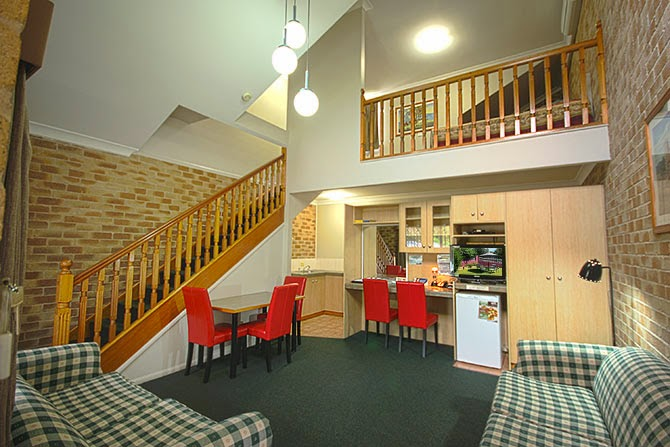 Country Gardens Motor Inn   lodging   94 James St, Toowoomba City QLD 4350, Australia   0746323099 OR +61 7 4632 3099