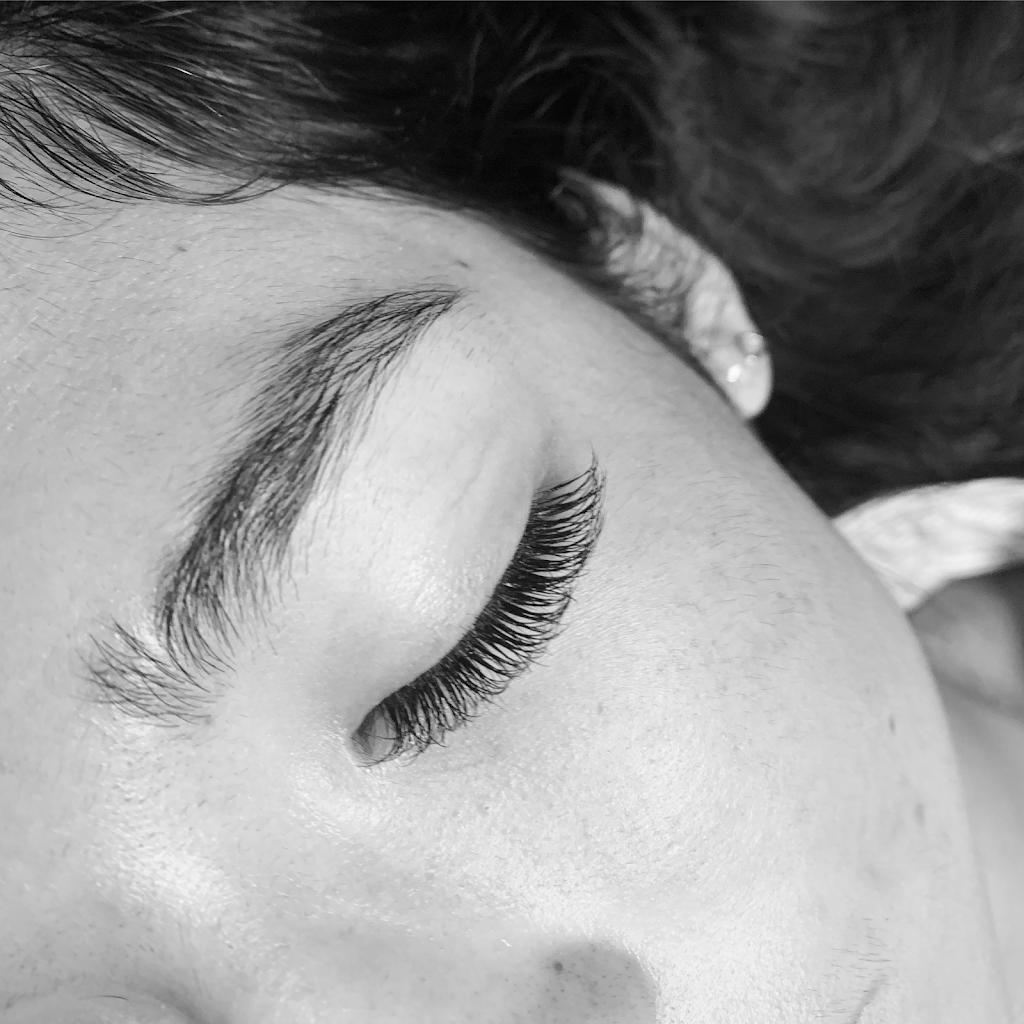 Lash Abode Eyelash Extensions | beauty salon | 10 Matilda Cres, Battery Hill QLD 4551, Australia | 0423338838 OR +61 423 338 838
