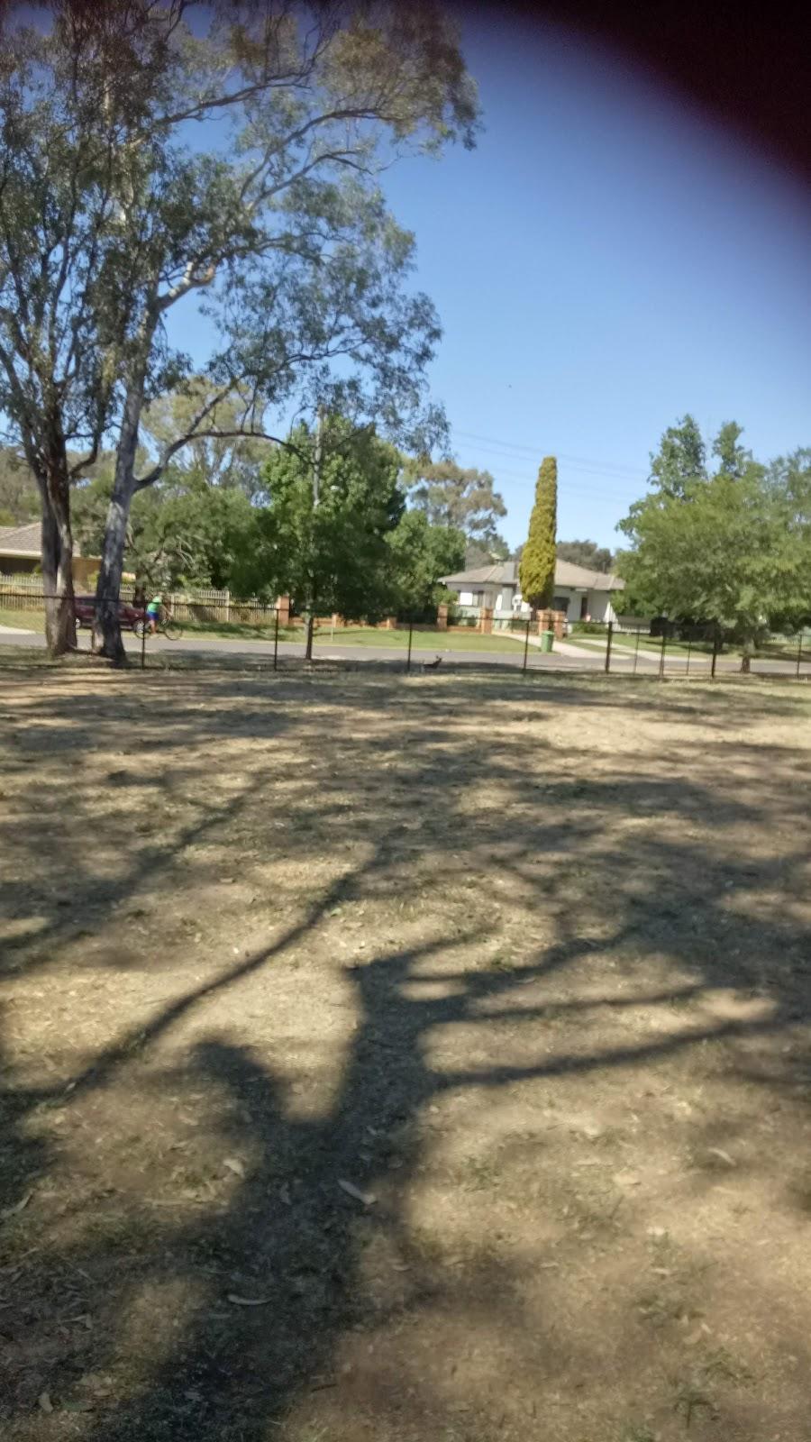 Alexandra Park Leash Free Area | park | 261 Cadell St, East Albury NSW 2640, Australia | 0260238111 OR +61 2 6023 8111