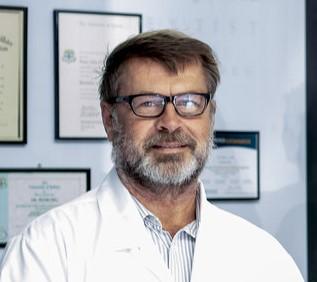 Hill, Peter - Peachtree Dental Surgery | dentist | Suite 2 Professional Centre, Estuary Ln, Nambucca Heads NSW 2448, Australia | 0265689001 OR +61 2 6568 9001