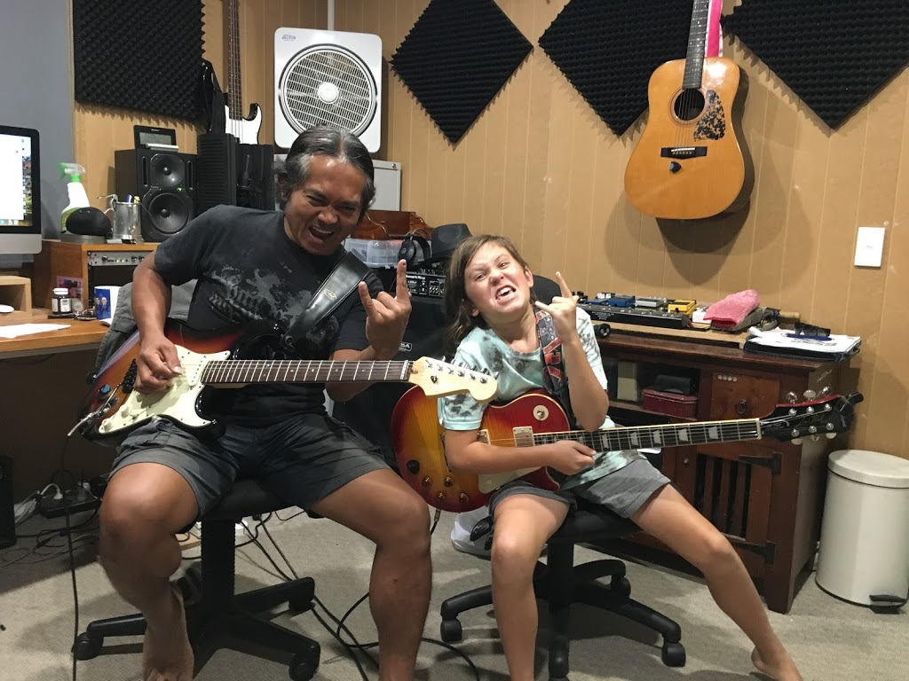 Sunshine Coast Guitar Studio - Guitar & bass lessons | school | 24 Nirvana Cres, Buderim QLD 4556, Australia | 0418729067 OR +61 418 729 067