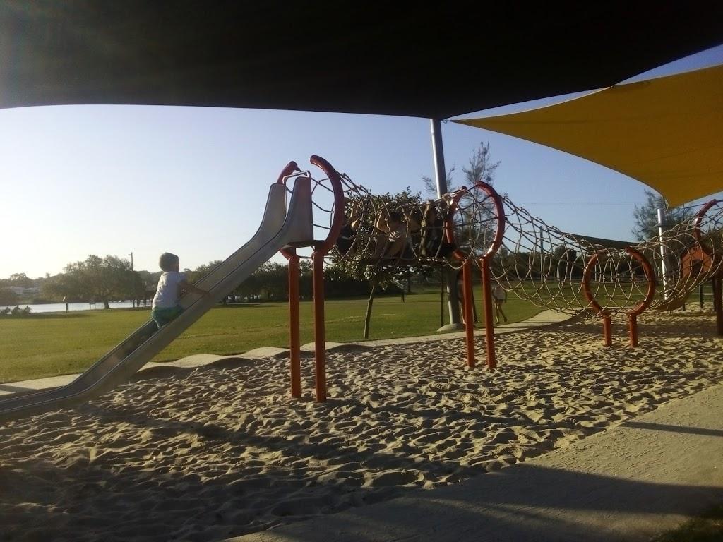 Muller Park DOG PARK | park | 319-323 David Low Way, Bli Bli QLD 4560, Australia