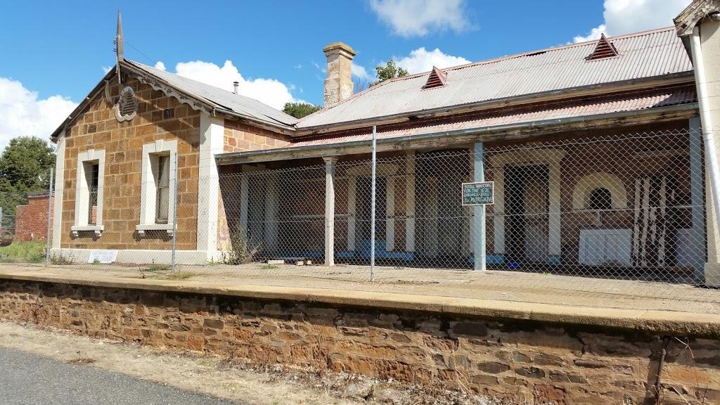 Eudunda Road House   lodging   8 South Terrace, Eudunda SA 5374, Australia   0885811061 OR +61 8 8581 1061